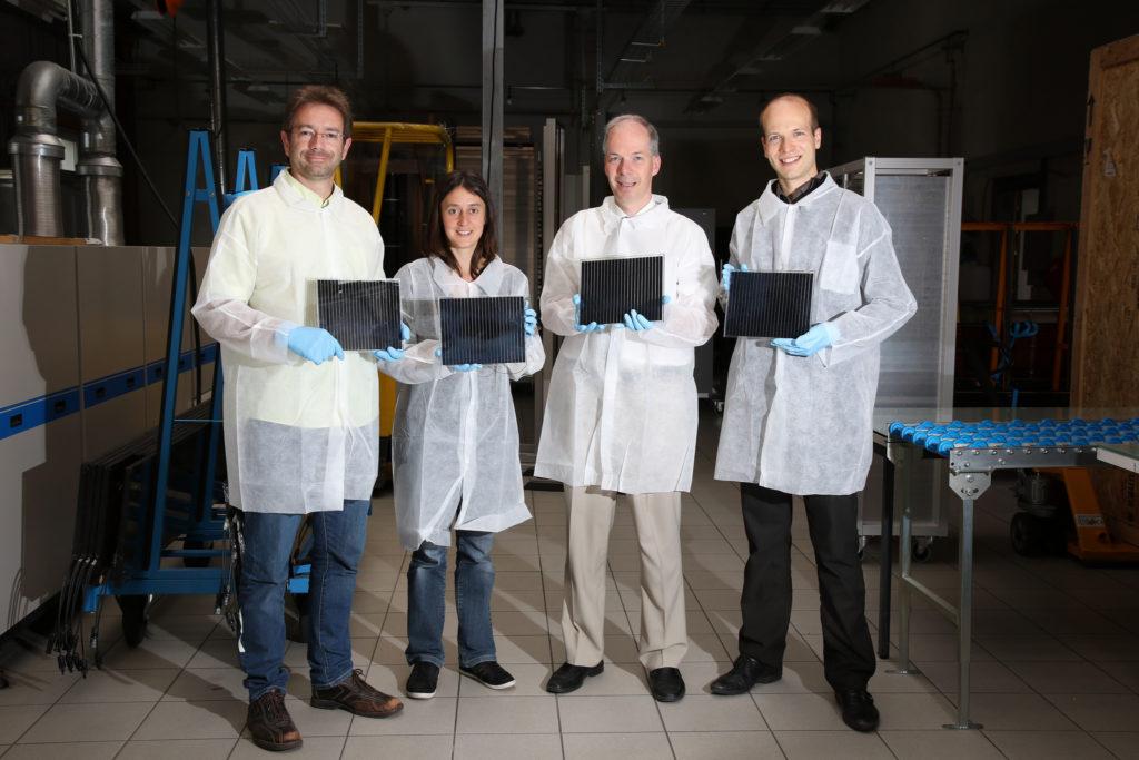 Solaronox Forscher-Team mit Perowskit-Solarzellen